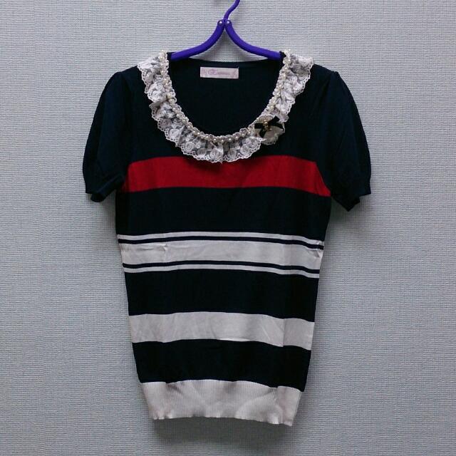 藍底條紋蕾絲花邊綴珍珠小包袖短袖針織衫