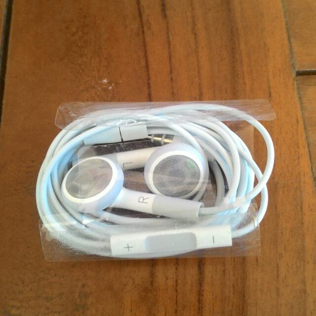 Apple Earphones with Remote and Mic (Original)