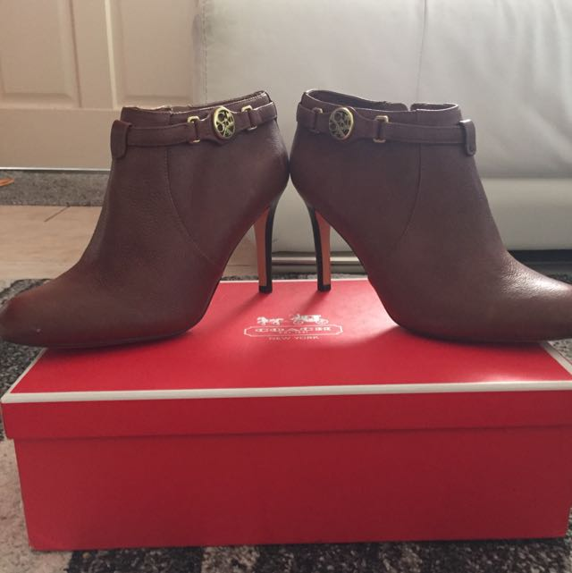 COACH ankle Boots Leather size 8