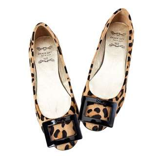 🚚 Grace gift 全真皮方釦娃娃鞋 豹紋