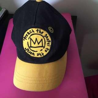 Black-yellow Hat