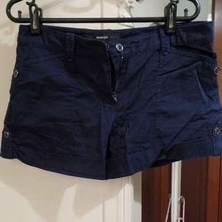 Pending *BN* MANGO casual shorts in navy blue