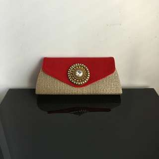 Traditional Clutch