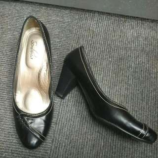 Sembonia Black Leather Heels 39