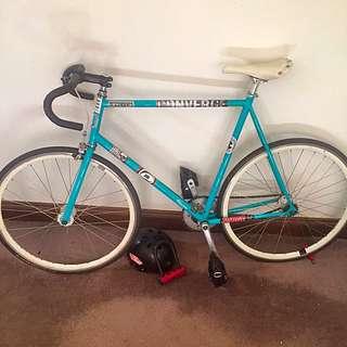 Specialized Globe Roll II bicycle
