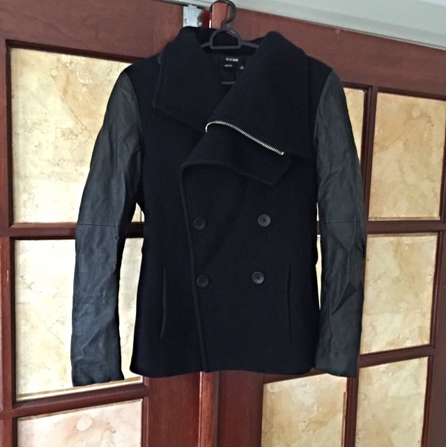 close-fitting Warm Coat With Leather Sleeves