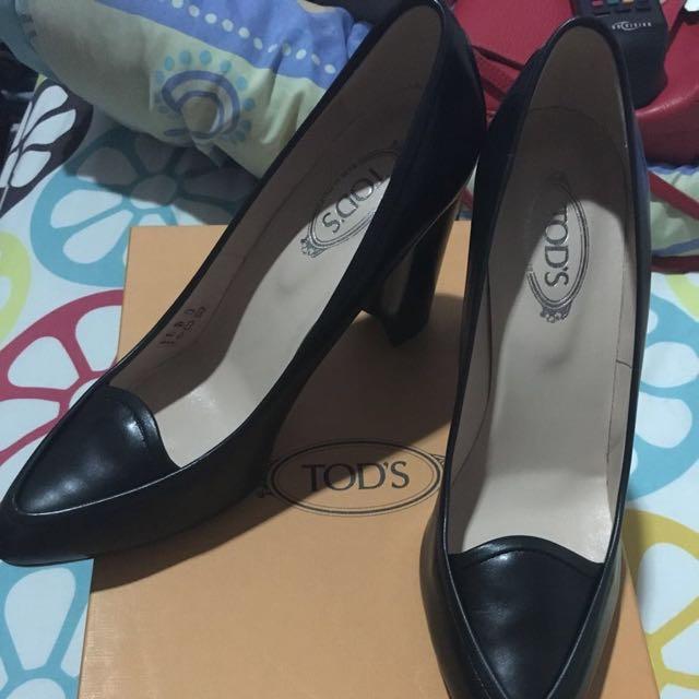 TODS Authentic pump Shoes Black