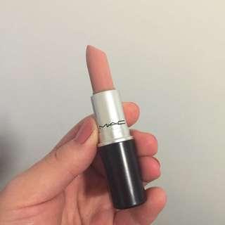 Mac lipstick In FLESHPOT