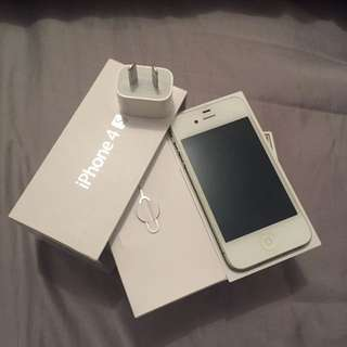 Unlocked iPhone 4s 32GB in White