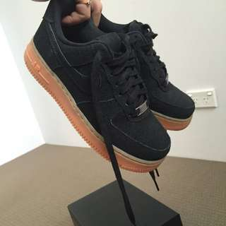 BLACK SUEDED NIKE AIRFORCE ONE