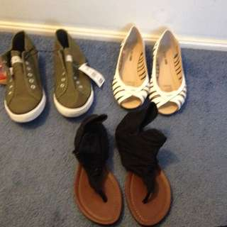 Size 8-9 Shoes! Never Worn