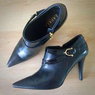 NEW Ralph Lauren Leather Ankle Boots