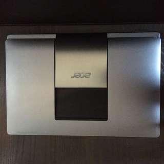 |Acer ® Aspire R7|