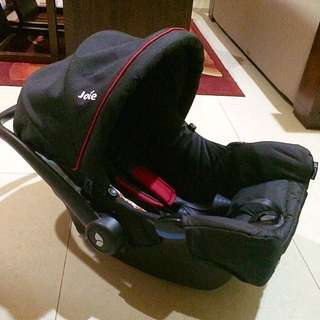 Joie Baby Car Seat 0-6mos