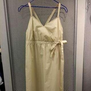 Nr米黃洋裝