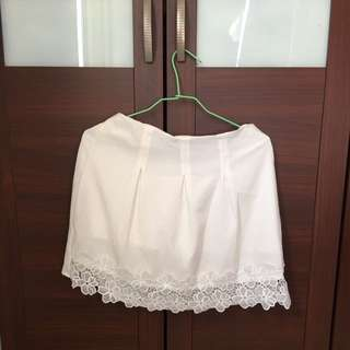 二手短裙(內有短褲)