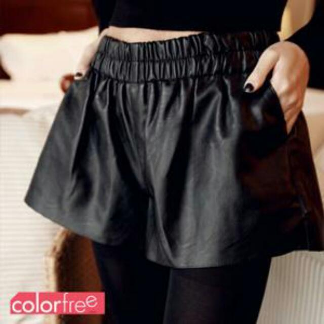 黑色皮短褲(含運)