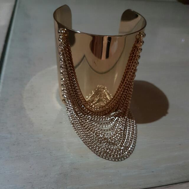 Elegant Bangle Accesories