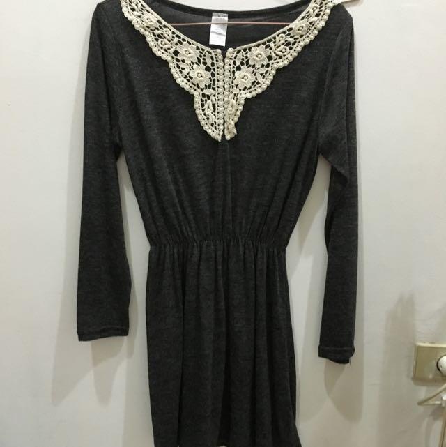 Dress Abu Abu Tua