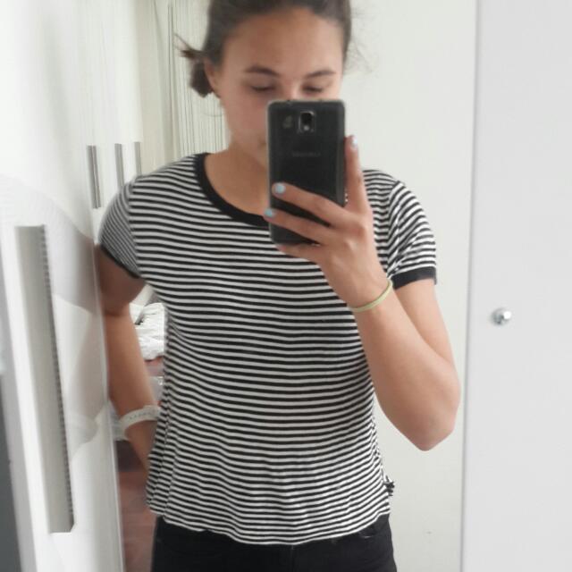 Ghanda Black And White Striped Crop Shirt