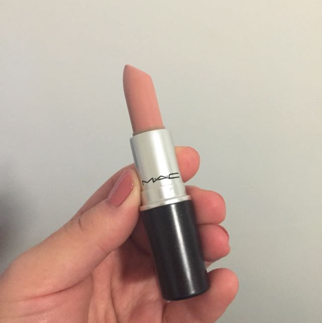 Mac lipstick In FLESHPOT