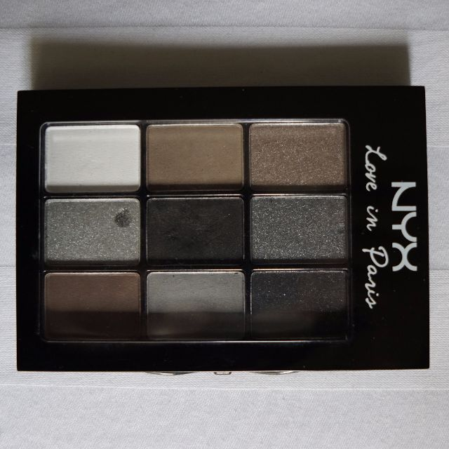 NYX 9 Color Shadow Palette - Love in Paris (used)