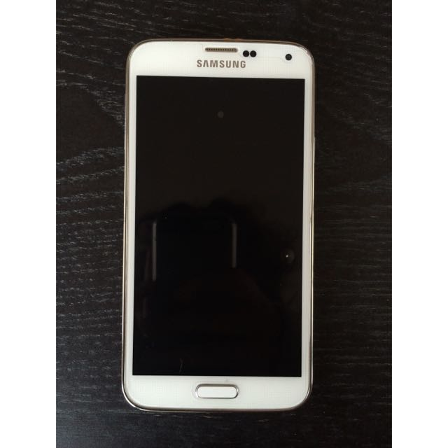 Samsung Galaxy S5 With Cover
