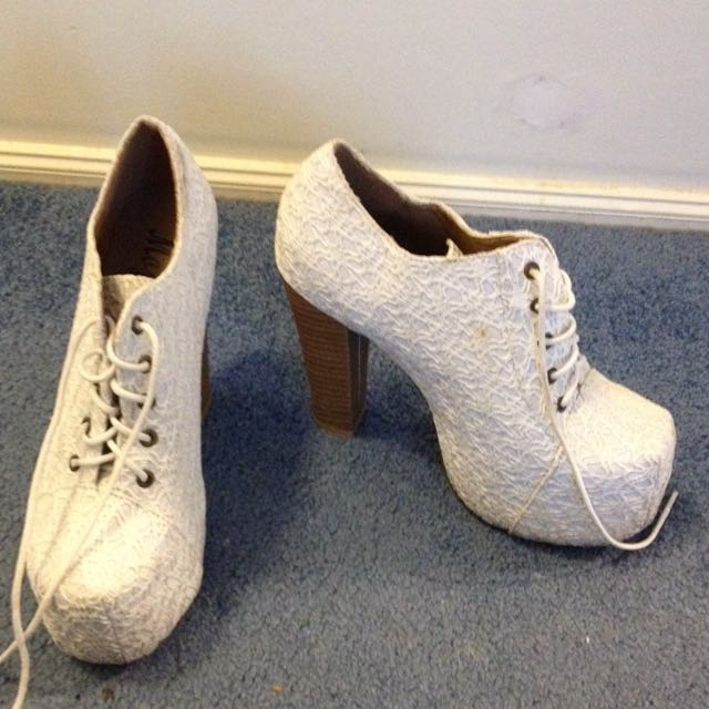 Size 8 White Lace High Heels