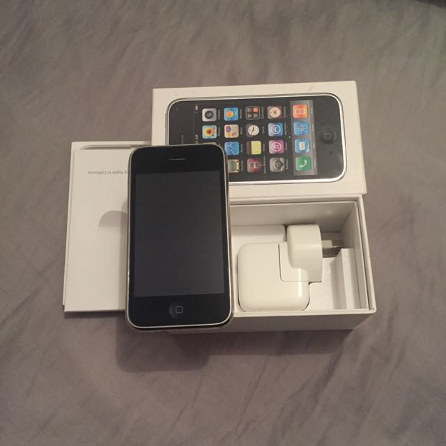 Unlocked iPhone 3gs 32 GB In White
