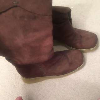 Women's Size 6 Brown Chocolate Winter Boots New Never Worn Oval Shaped Toe