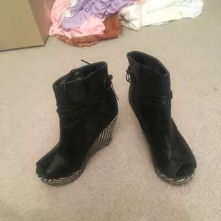 Rubi 39/8 Sized Ankle Boot Black Wedges Open Toe Pre-loved