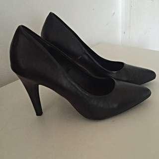 Girl Express Black Heels