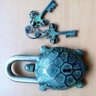 早期烏龜銅鑰匙