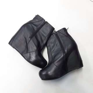 Jeffrey Campbell (Black High Heels Ankle Boots)