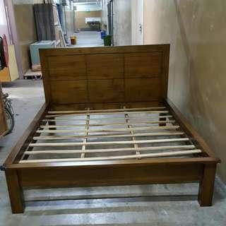 Queen Bed Teak Wood