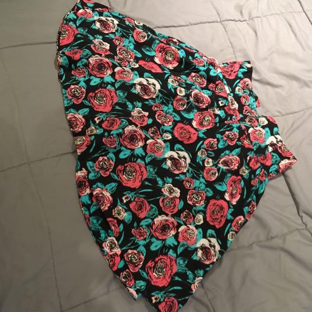 H&M High Waisted Skirt Size 6