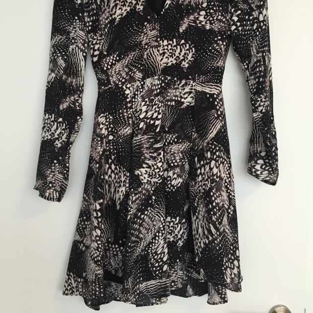 Patterned Dress H&M v neck