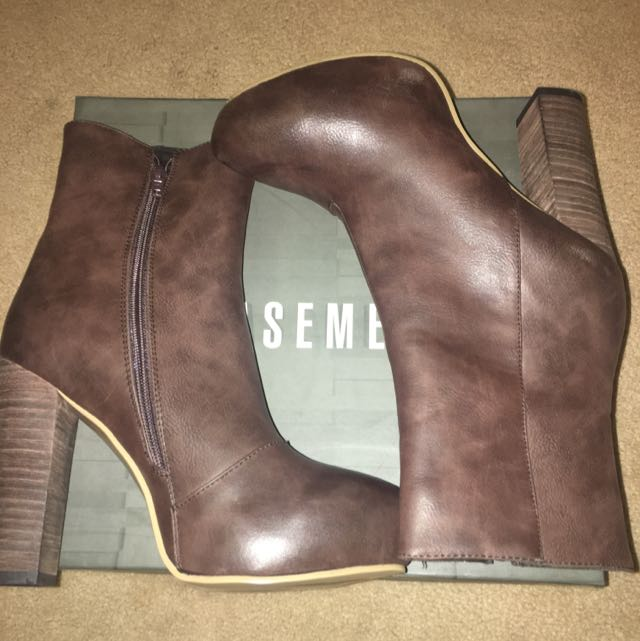 Pending- Size 8 Brown Boots