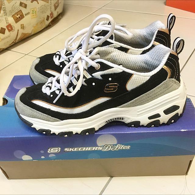 Skechers 黑金款鞋