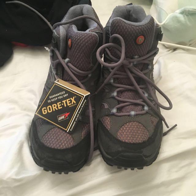Waterproof Hiking Boots Size 38