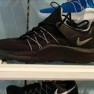 全新日本購回Nike女鞋 23.5公分