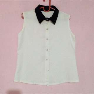 Black collar top sleeveless. TOPSHOp Look alike