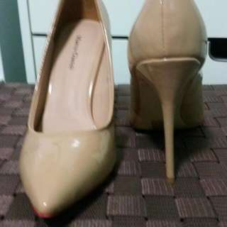 NUDE & BLACK Marco Gianni Point Heels