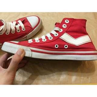 Pony鮮紅色25號帆布鞋二手