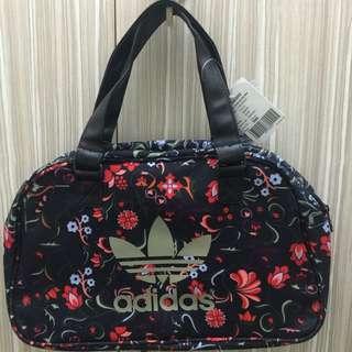 愛迪達  行李包