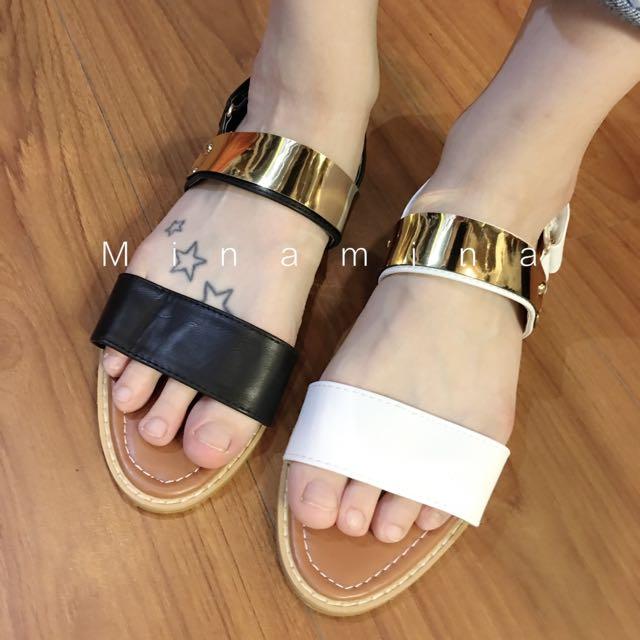 金屬質感涼鞋