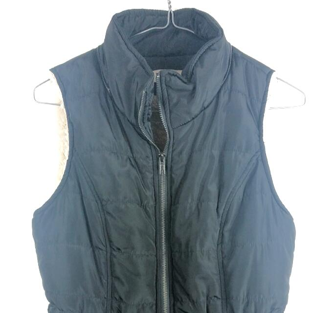 Black Bomber Vest With Detachable Hood