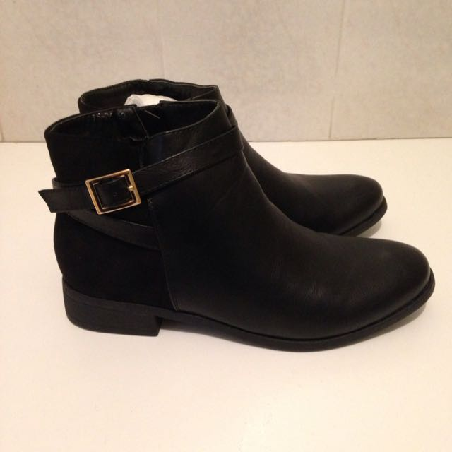 Boohoo Black Ankle Boots Size 9