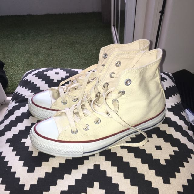 CONVERSE HI TOP CREAM SIZE WOMENS 7