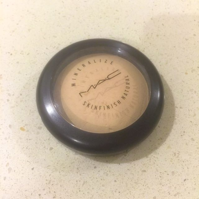 Mac Mineralize Skinfinish Natural (shade:light)